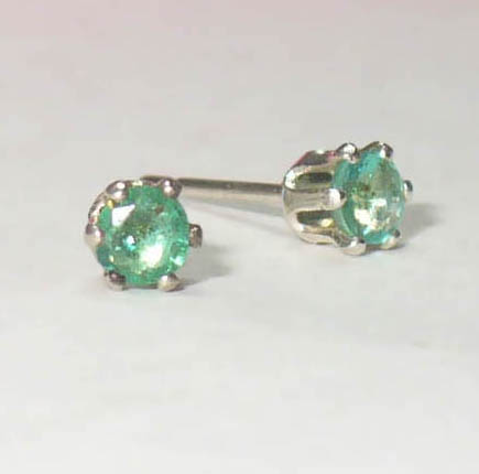 natural emerald mini studs